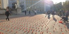 Dersim'in ateşi, Viyana'da gelincik tarlasına dönüştü!