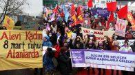 İstanbul Kadıköy'de binlerce kadının bir araya geldi: Kalplerimiz özgürlük için atıyor